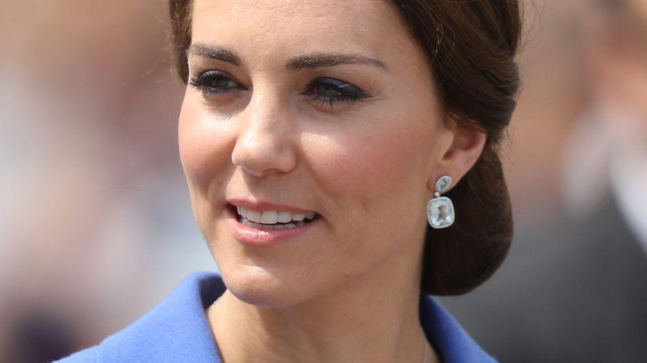 Découvrez le collier fétiche de Kate Middleton qui rend hommage à Lady Di (Photos)