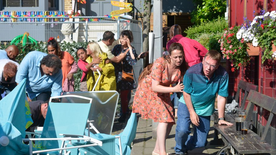 Eastenders 05/09 - Walford In Bloom Is Thrown Into Chaos