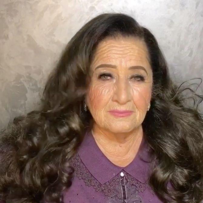 Elle maquille sa grand-mère, la transformation est INCROYABLE !