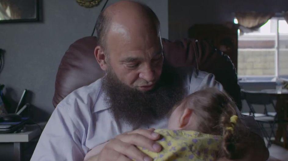 """""""Ils n'ont personne"""", cet homme explique pourquoi il adopte des enfants mourants (vidéo)"""