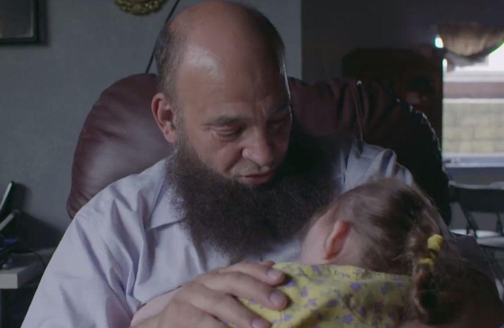 Ils n'ont personne, cet homme explique pourquoi il adopte des enfants mourants (vidéo)