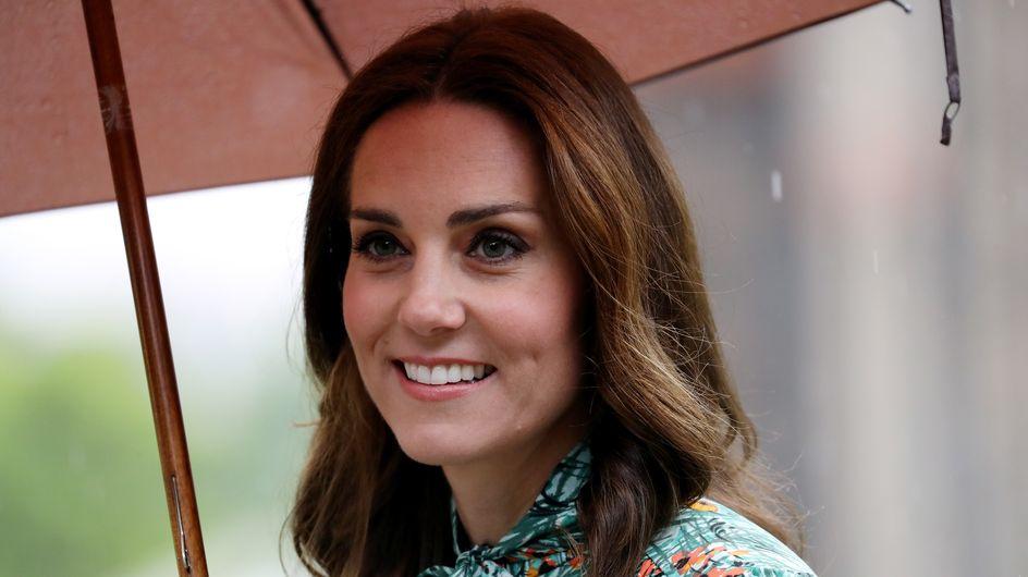 Kate Middleton, aux côtés de William et Harry pour rendre hommage à Lady Di (Photos)