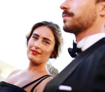 Maria Elena Boschi e il fratello sfilano sul red carpet di Venezia e noi ci siam