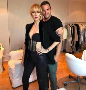 Céline Dion est méconnaissable avec une frange.