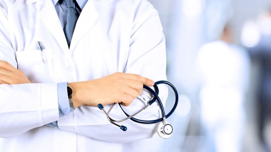 Une étudiante en médecine s'indigne contre les touchers vaginaux non consentis