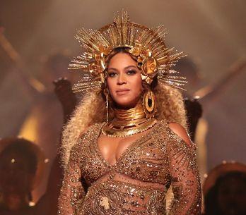 Michelle Obama et Blue Ivy se transforment en sosies de Beyoncé pour son anniver