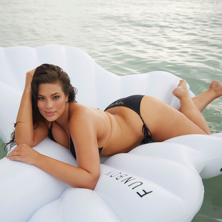fec1ce86e1a0 Fotos de Ashley Graham en bikini