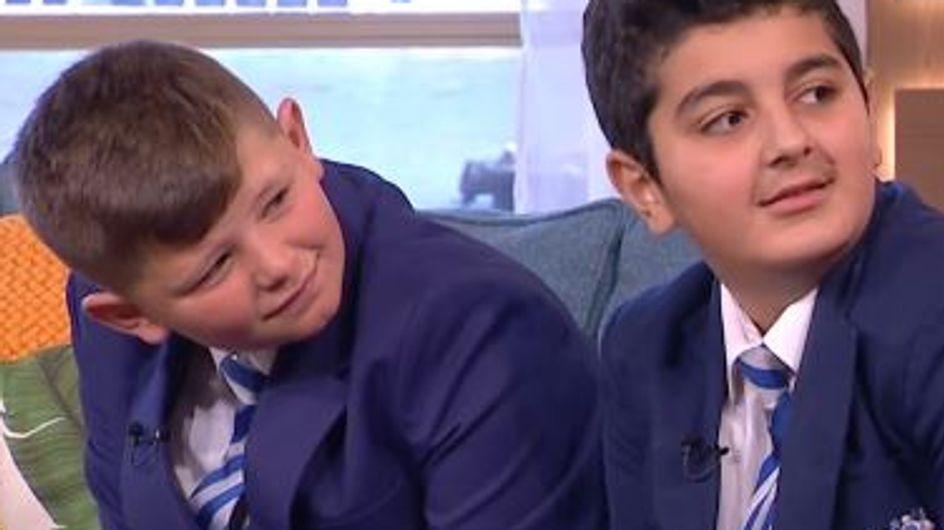 L'incroyable amitié entre ce réfugié syrien et ce petit Anglais fait le tour du monde (vidéo)