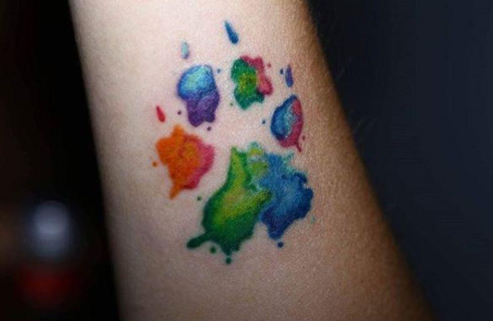 Céderez-vous à la tendance du tatouage empreinte de chien ? (Photos)