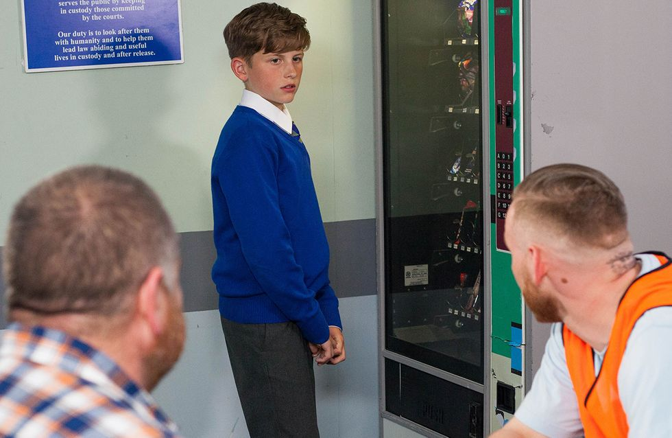 Hollyoaks 28/09 - Tom And Charlie Visit Darren Without Nancy's Knowledge