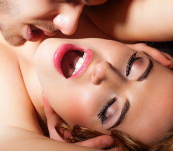 Lo squirting: cos'è e come funziona l'eiaculazione femminile