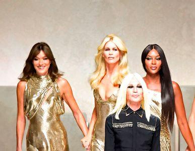Donatella Versace réunit les models des années 90 pour un show mémorable
