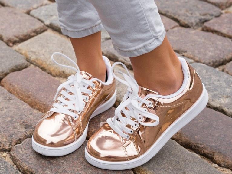 Die besten Tricks bei quietschenden Schuhen   STYLEBOOK
