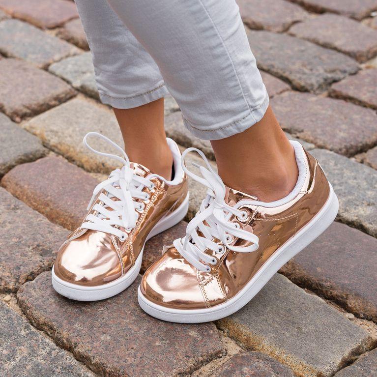Quietschende Schuhe Die Besten Hausmittel Gegen Das Quietschen