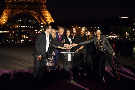 la tour Eiffel s'illumine en rose pour Octobre Rose