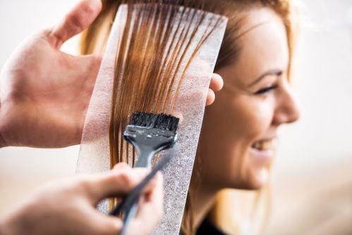 Blondierung dunkelblond färben nach Blondierte haare
