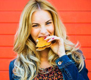 12 Dinge, die nur Frauen verstehen, die für ihr Leben gern essen