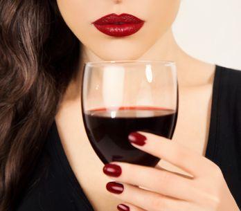 Bere vino rosso fa bene alla salute... e aiuta a dimagrire!