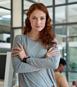 Linguaggio del corpo: qual è il significato delle braccia conserte?
