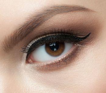 Eyeliner: 5 trucchi per metterlo alla perfezione e i migliori da provare adesso