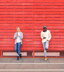 6 Verhaltensweisen im Netz, die von wenig Selbstbewusstsein zeugen