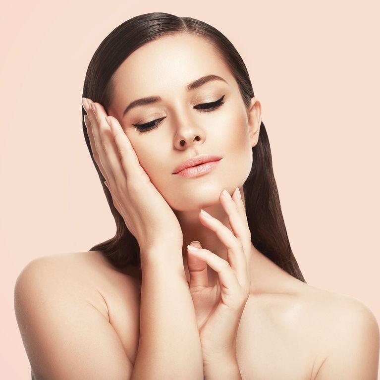 b2293b218 Viste tu piel con maquillaje: ¿por qué es importante utilizar base?