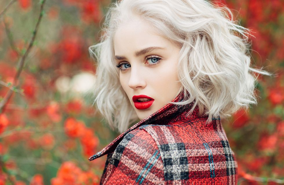 Color de pelo ojos azules piel clara