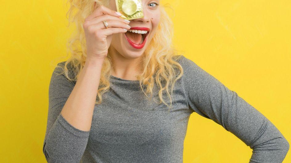 5 modi per mettere il preservativo maschile in maniera creativa e hot!