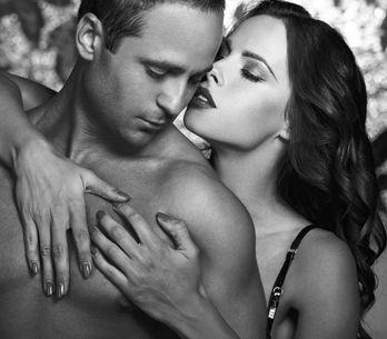 Pegging: cos'è e come si fa questa insolita pratica sessuale donna-uomo...