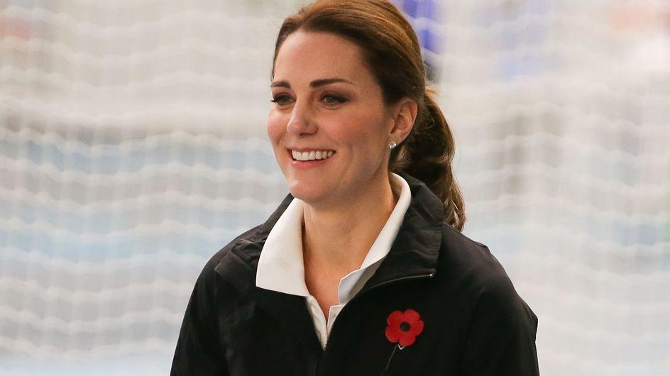Enceinte, Kate Middleton surprend en jogging et baskets (Photos)