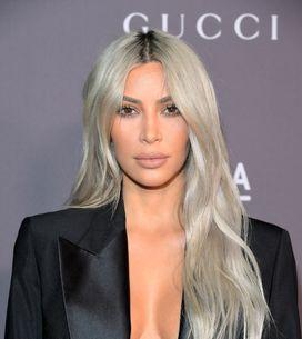 Kim Kardashian foule le tapis rouge seins nus et crée le buzz (Photos)