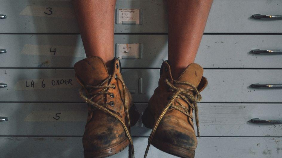 5 motivi per cui non dobbiamo MAI tenere le scarpe in casa