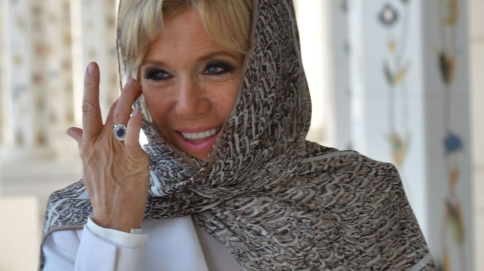 Brigitte Macron, très élégante dans un smoking blanc à Abu Dhabi (Photos)