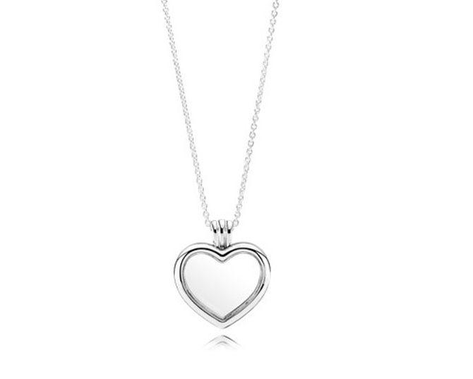 Collier Médaillon Cœur, 129€