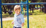 Polizei bestraft einen 2-Jährigen: 140 Euro wegen Wildpinkeln!