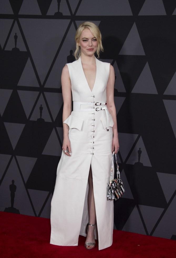 Jennifer Lawrence et Emma Stone sublimes en duo sur le red carpet des Governors Awards