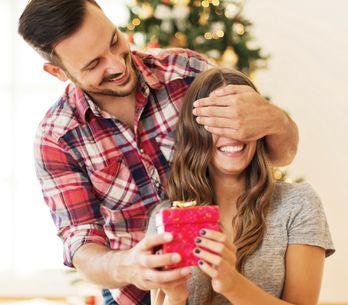 Cosa regalare a Natale alla fidanzata o moglie: idee regalo per lei