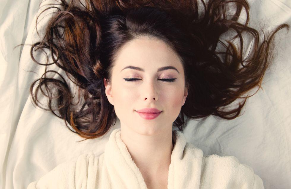 4 motivi per cui non dovresti mai dormire con il trucco!