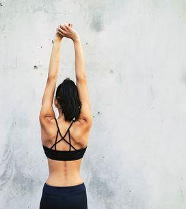 Rückenspeck loswerden: Die 5 besten Übungen gegen BH-Röllchen
