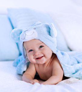 Vom ersten Lächeln bis zum Krabbeln: Die Entwicklung deines Babys