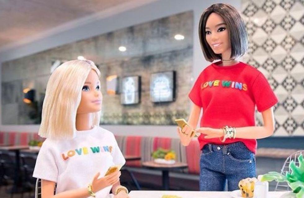 Barbie® devient militante pour la cause LGBT et on applaudit ! (photos)