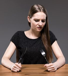 Anoressia nervosa: il significato, le cause, i sintomi iniziali e la cura per gu