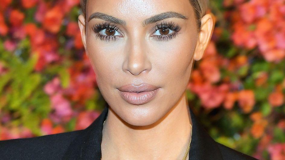 Kim Kardashian change de look, vous ne la reconnaîtrez pas ! (Photos)