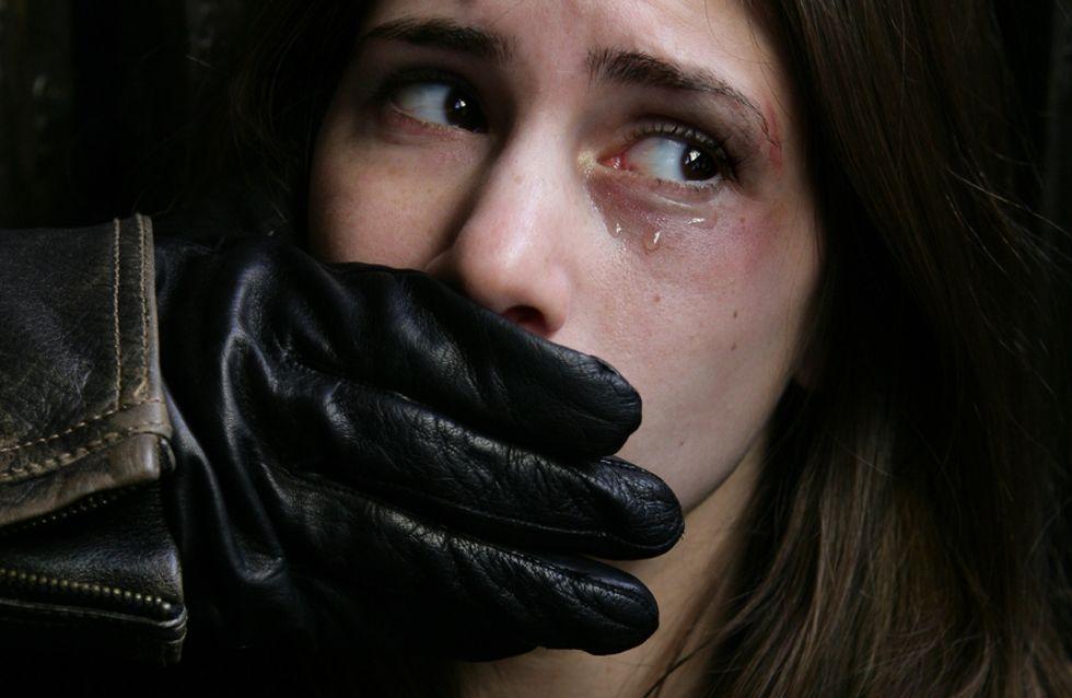 Cette femme illustre pourquoi de nombreuses victimes d'agressions sexuelles préfèrent rester silencieuses
