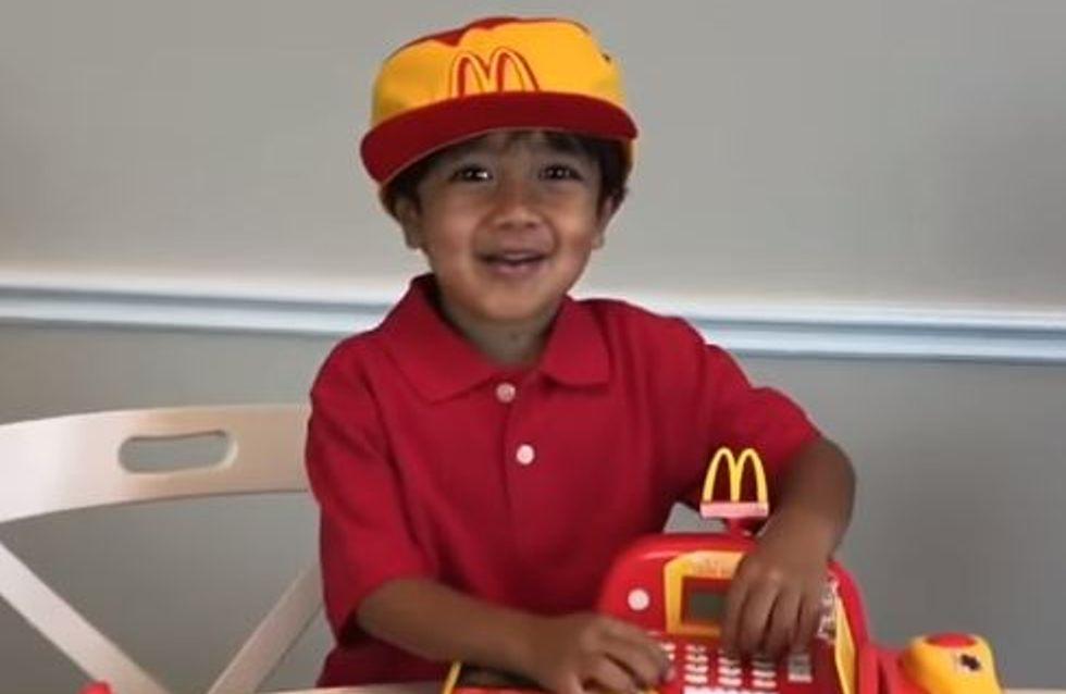 Grâce à ses vidéos, un petit garçon de 6 ans a gagné 11 millions de dollars en un an