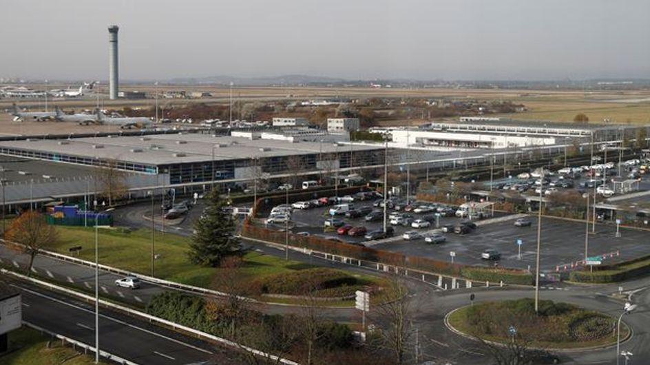 Un SDF dérobe 300.000 euros « par hasard » à l'aéroport de Roissy