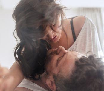 Aufatmen, Mädels! 7 Dinge, die ihm beim Sex wirklich total egal sind