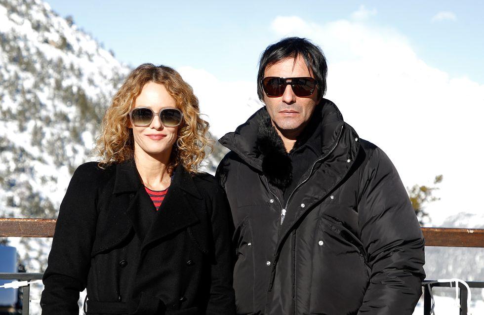 Vanessa Paradis, en bottes et gros manteau pour affronter la neige en amoureux (Photos)
