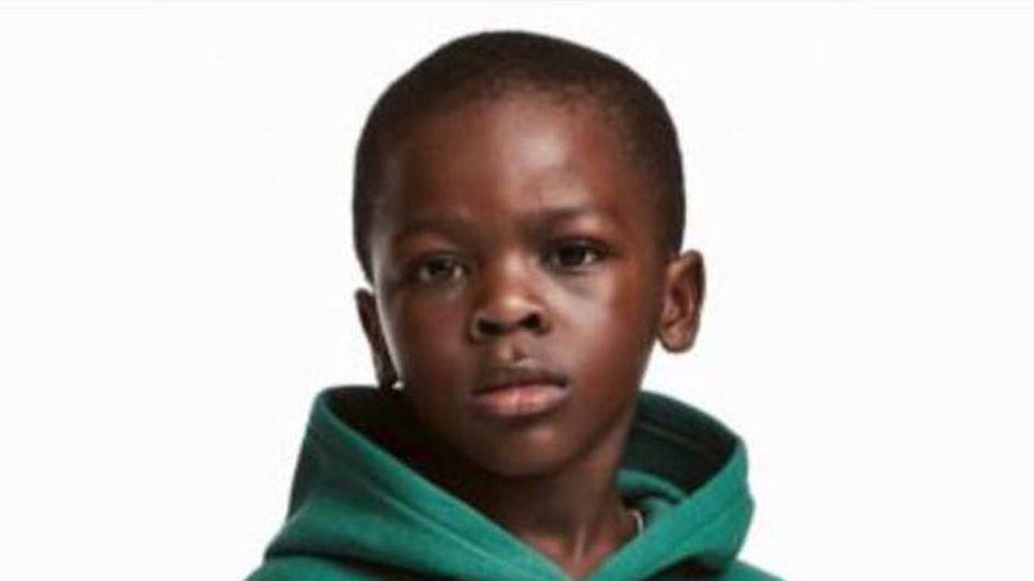 Un sweat raciste porté par un enfant noir et vendu par H&M crée la polémique (Photos)