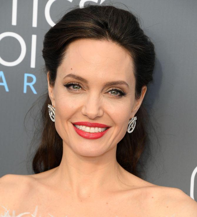 Angelina Jolie aux Critics' Choice Awards 2018
